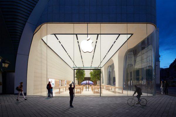 ouverture-en-fanfare-du-premier-apple-store-belge