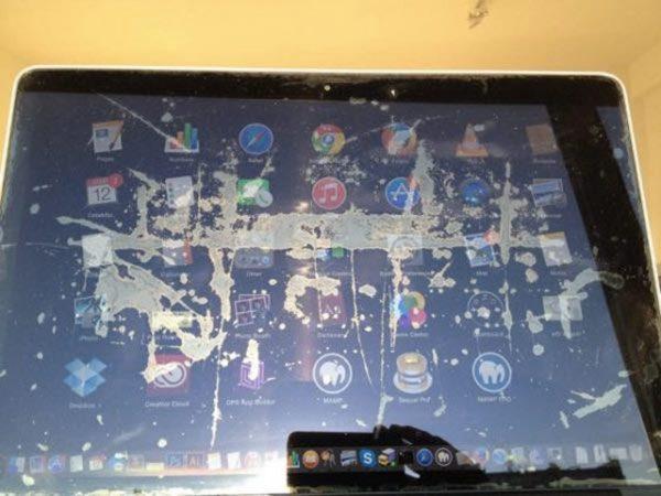 apple-prevoit-enfin-une-prise-en-charge-du-probleme-avec-lanti-reflet-des-macbook-pro