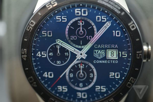 smartwatch-tag-heuer-presente-sa-carrera-connected-a-1400e_5