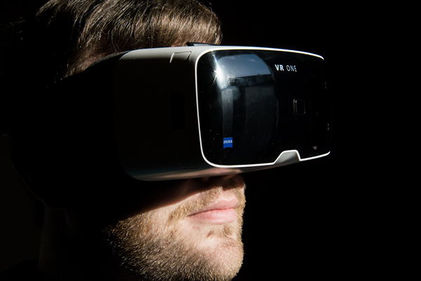 apple-pourrait-se-lancer-officiellement-dans-le-realite-virtuelle-en-2016