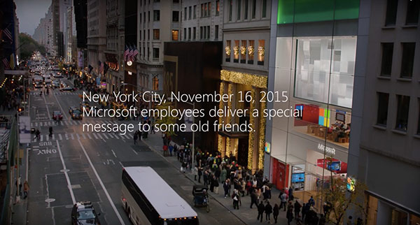 microsoft-et-apple-se-font-un-gros-calin-devant-lapple-store-de-new-york