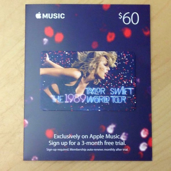 taylor-swift-placardee-dans-les-apple-store_3