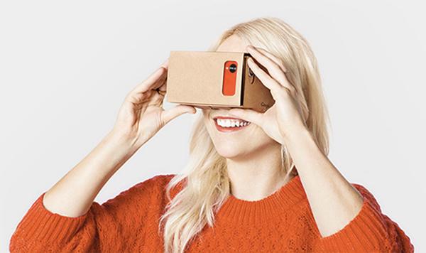 google-prepare-un-casque-vr-et-un-cardboard-en-plastique