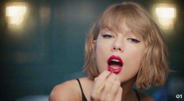 taylor-swift-fait-encore-la-promo-dapple-music-video_1