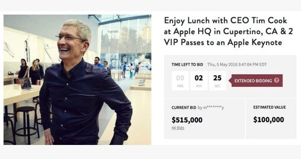 encheres-515-000-dollars-dejeuner-tim-cook