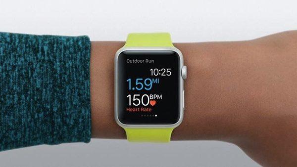 aetna-sapprete-a-fournir-une-apple-watch-a-ses-50-000-employes-et-une-subvention-a-ses-clients