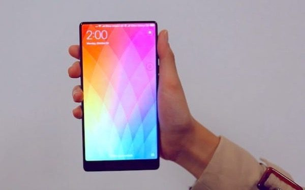 premiere-prise-main-xiaomi-mi-mix-video_2
