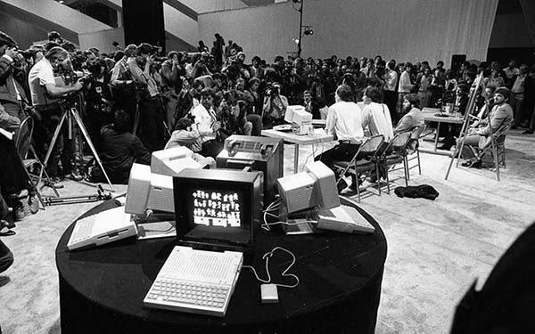 Un petit saut au temps de la présentation de l'Apple IIc