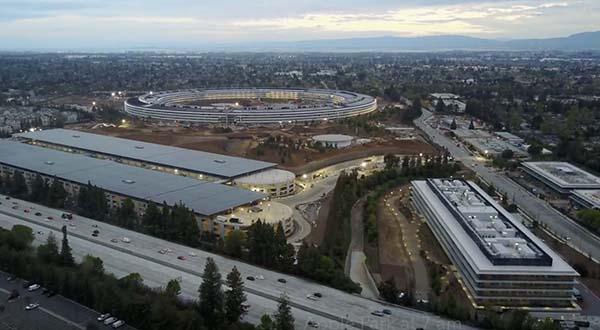 Un nouvel survol de l'Apple Park avant son inauguration