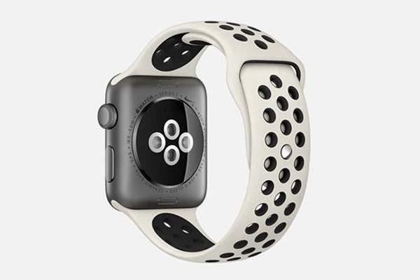 Apple Watch : Nike dévoile son nouveau bracelet Sport beige et noir