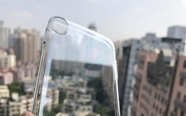 iPhone 8 : la première coque de protection avec une découpe à la verticale pour l'APN
