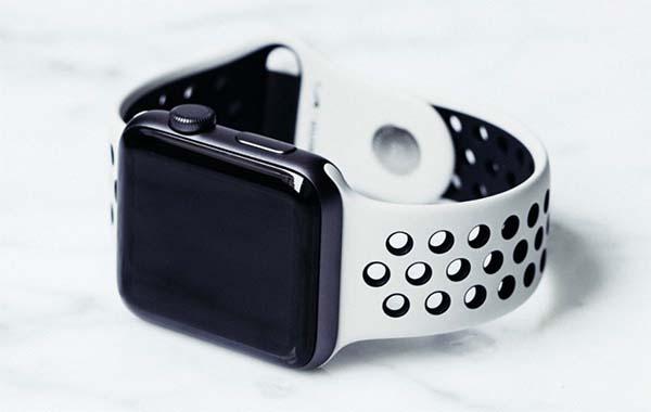 Présentation de l'Apple Watch édition limitée « NikeLab » en photos