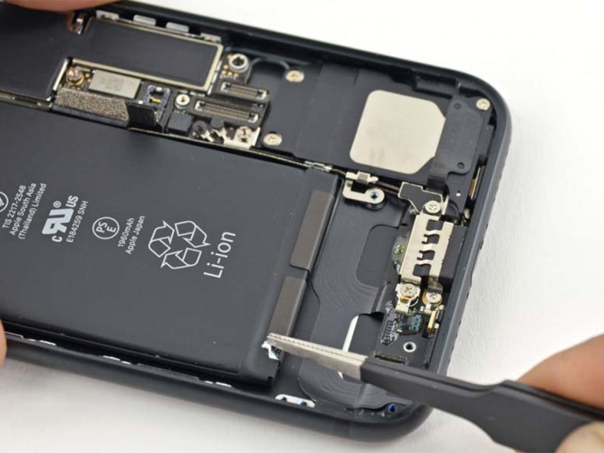 Un iPhone 6 Plus prend feu pendant la charge