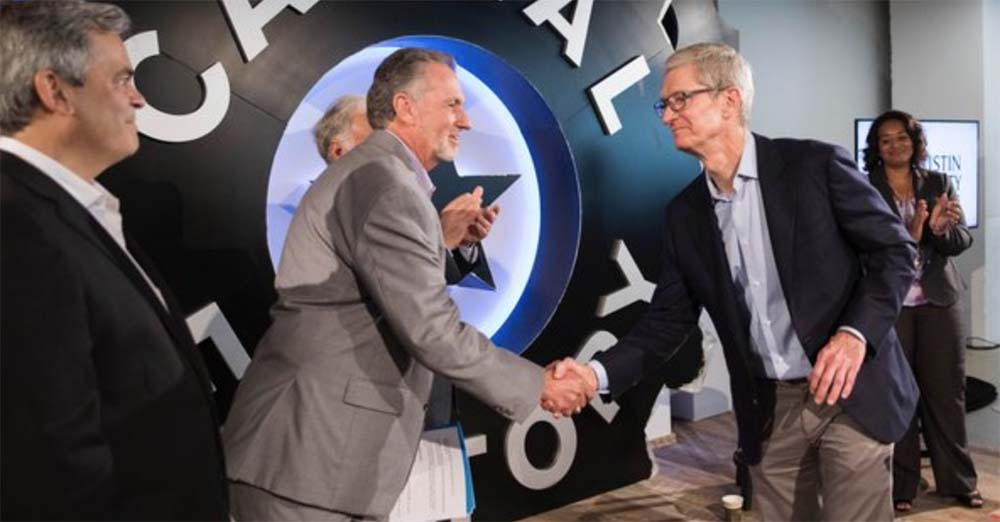 Tim Cook : « Apple a un devoir moral envers les États-Unis »