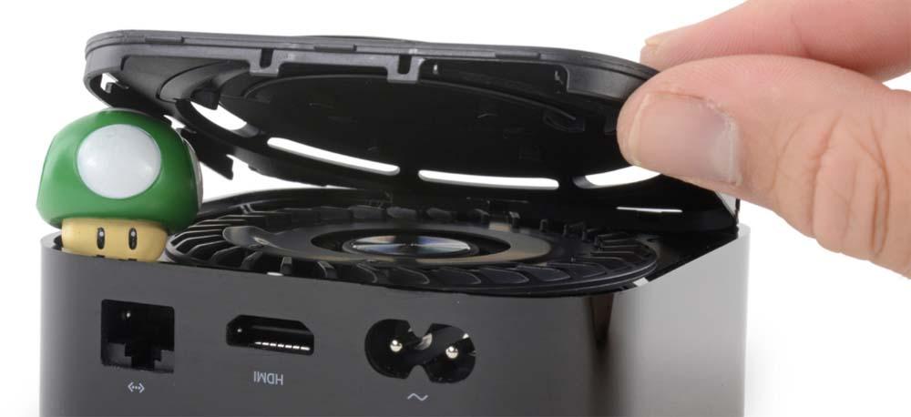 ifixit s 39 est charg de mettre l 39 apple tv 4k en tenue d 39 adam. Black Bedroom Furniture Sets. Home Design Ideas