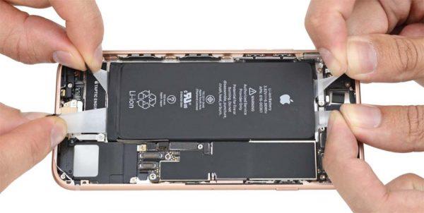 iFixit passe aux choses sérieuses et démonte l'iPhone 8 !