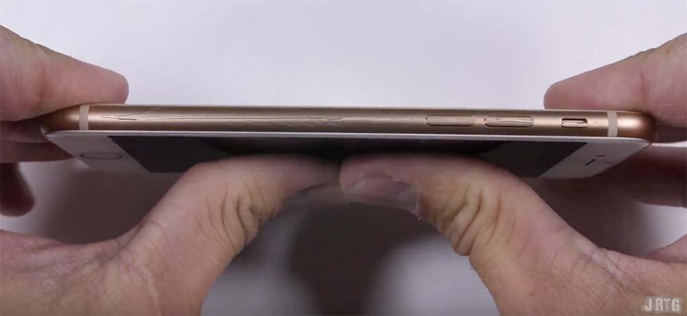 Quand l'iPhone 8 se soumet aux tests de durabilité, ça fait mal ! [Vidéo]