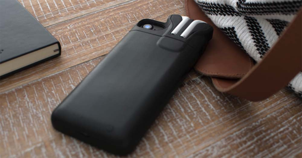 PodCast - la coque qui recharge à la fois l'iPhone et les AirPods