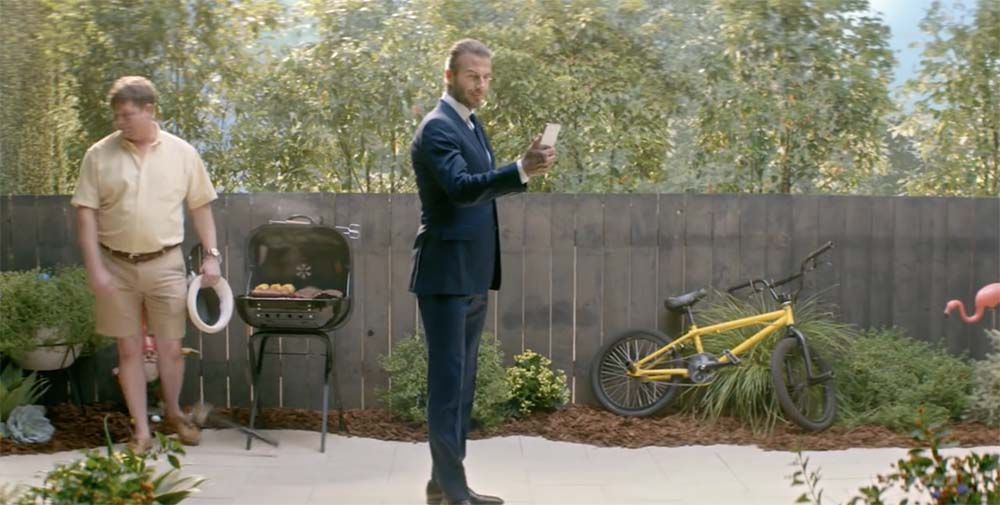 Pubs iPhone X : David Beckham en guest star pour Sprint et les Animojis pour T-Mobile
