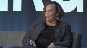 Même l'iPhone 8 et l'iPhone X sont issus d'une production verte, explique Lisa Jackson
