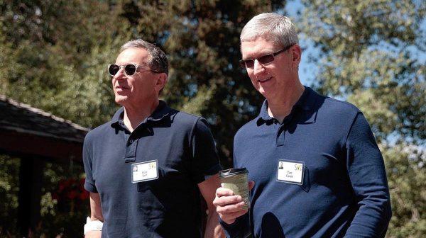 Bob Iger (Disney) et Tim Cook (Apple)