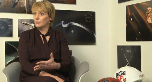 Cynthia Hogan - responsable des relations politiques d'Apple