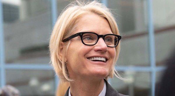 Christie Smith - responsable Apple