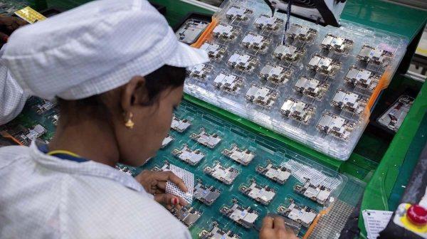 Production iPhone Vietnam