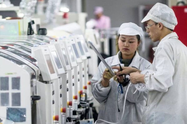 Apple Foxconn Production Vietnam