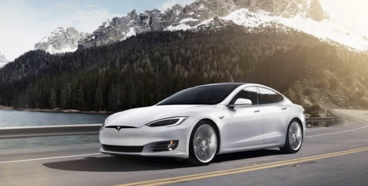 Tesla Vs Apple D20