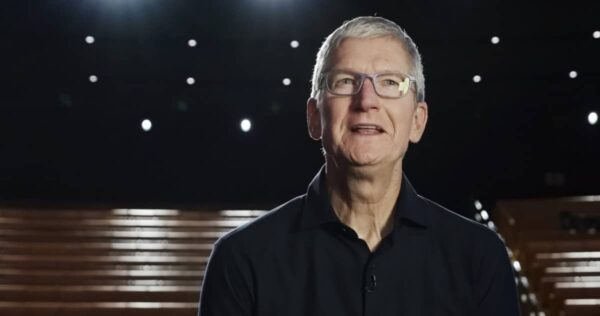 vote smartphone, Tim Cook