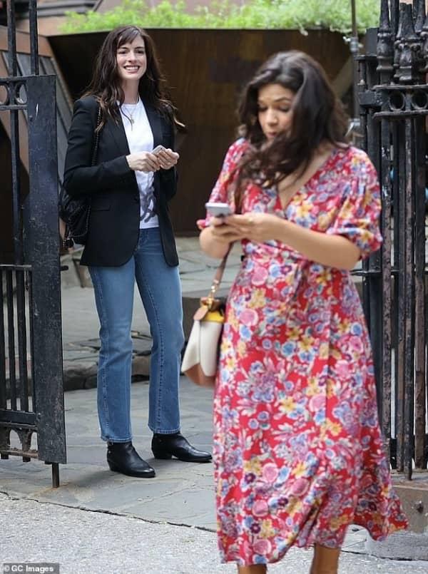 Anne Hathaway, WeCrashed