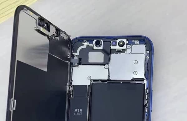 démontage iPhone 13