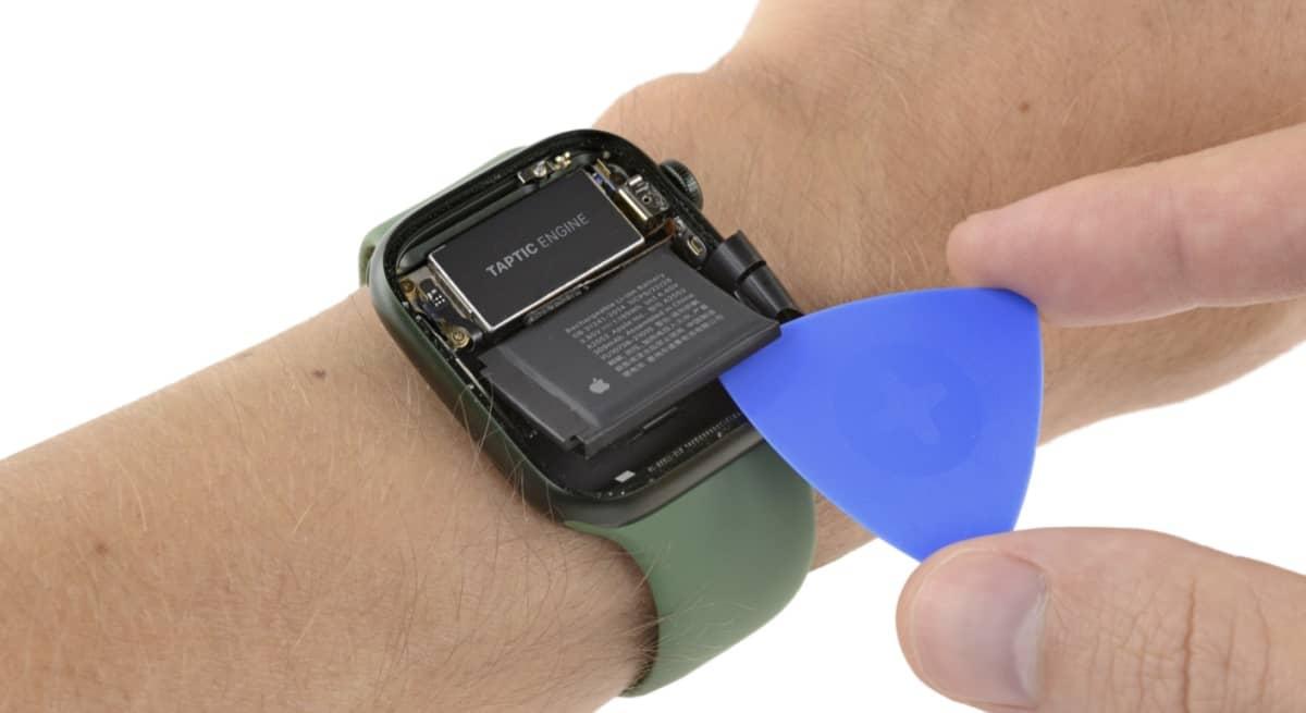 iFixit démonte l'Apple Watch Series 7 et explique les raisons des retards de production
